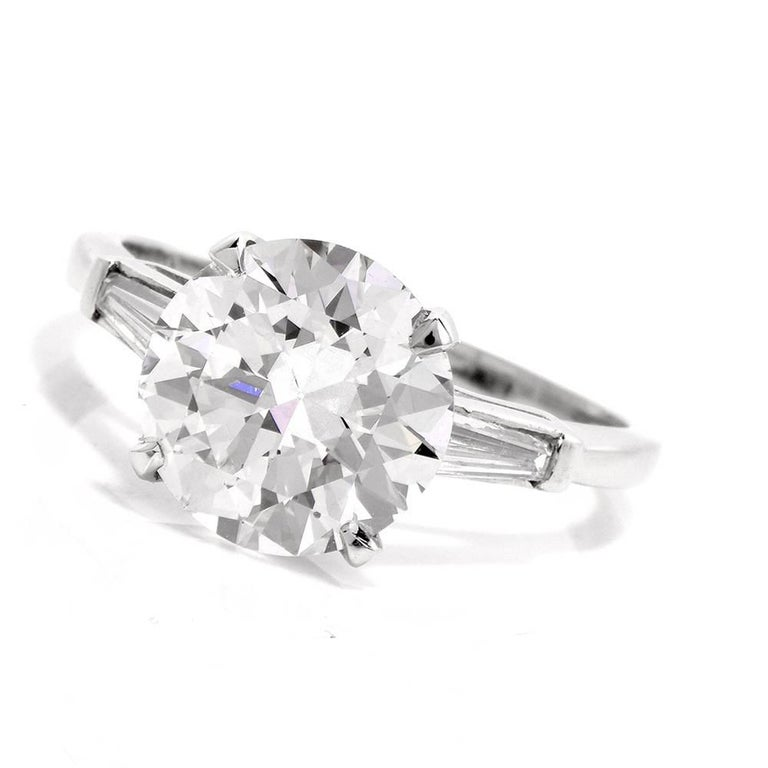 Classic 3.21 Carat Certified Diamond Platinum Baguette and Round Engagement Ring For Sale 2