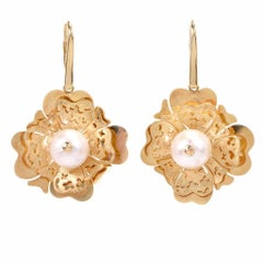 Italian Gabriela Rigamonti 18 Karat Yellow Gold Pearl Floral Motif Drop Earrings