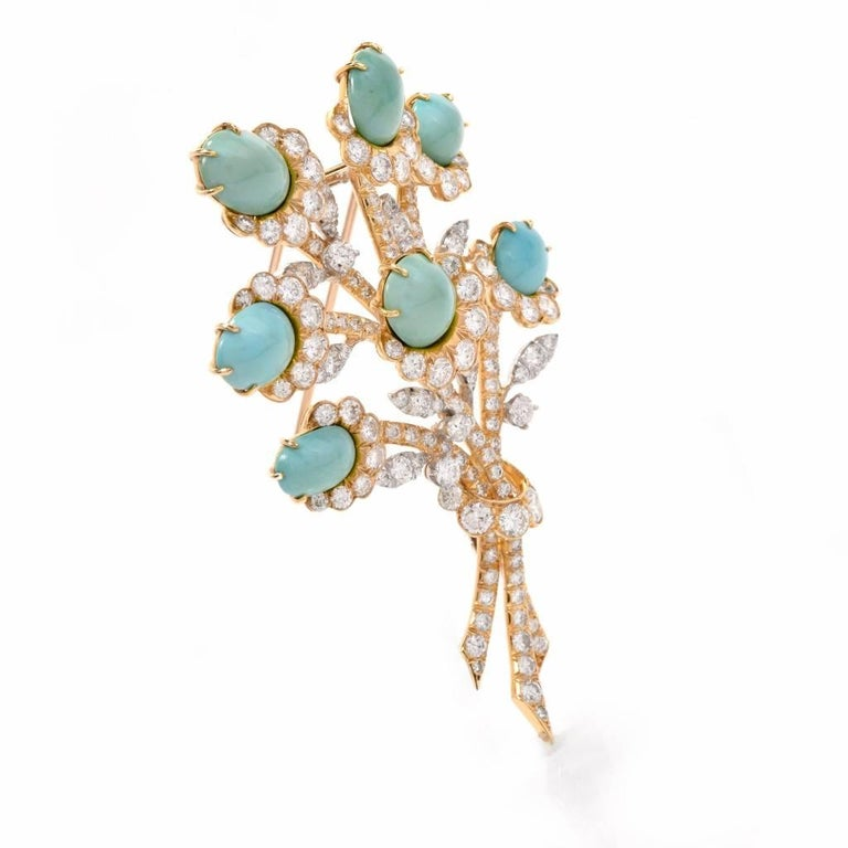 Van Cleef & Arpels Diamond Gold Flower VCA Pin Brooch In Excellent Condition For Sale In Miami, FL