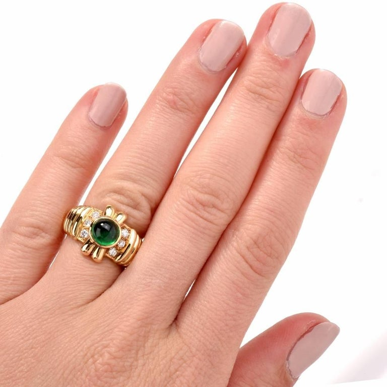 1980s Emerald Cabochon Diamond Yellow Gold Cocktail Ring For Sale 1
