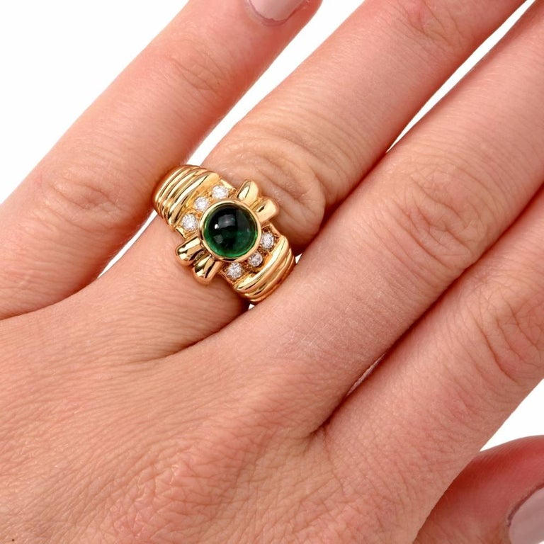 Women's 1980s Emerald Cabochon Diamond Yellow Gold Cocktail Ring For Sale