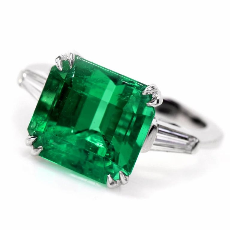 Women's Remarkable Certified Colombian Emerald Diamond Platinum Ring For Sale