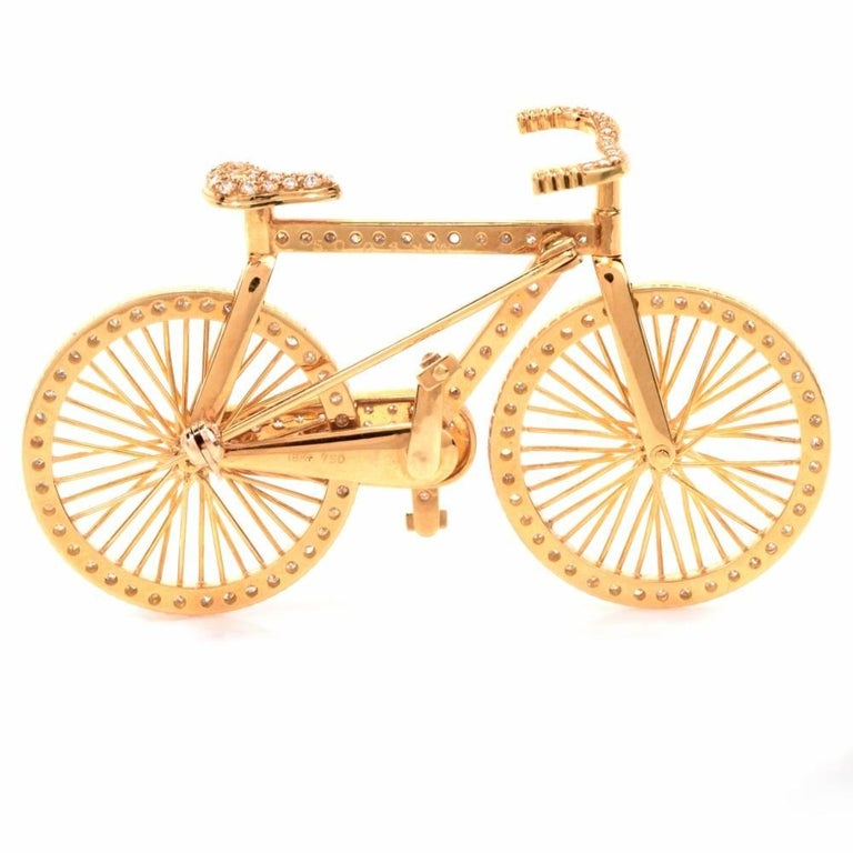 1980s Diamond 18 Karat Gold Bicycle Figurine Pin Brooch In Excellent Condition In Miami, FL