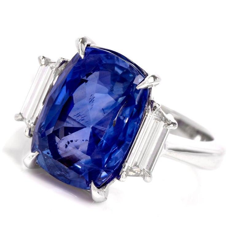 Natural No Heat Ceylon Sapphire Trapezoid Diamond Platinum Ring In New Condition For Sale In Miami, FL