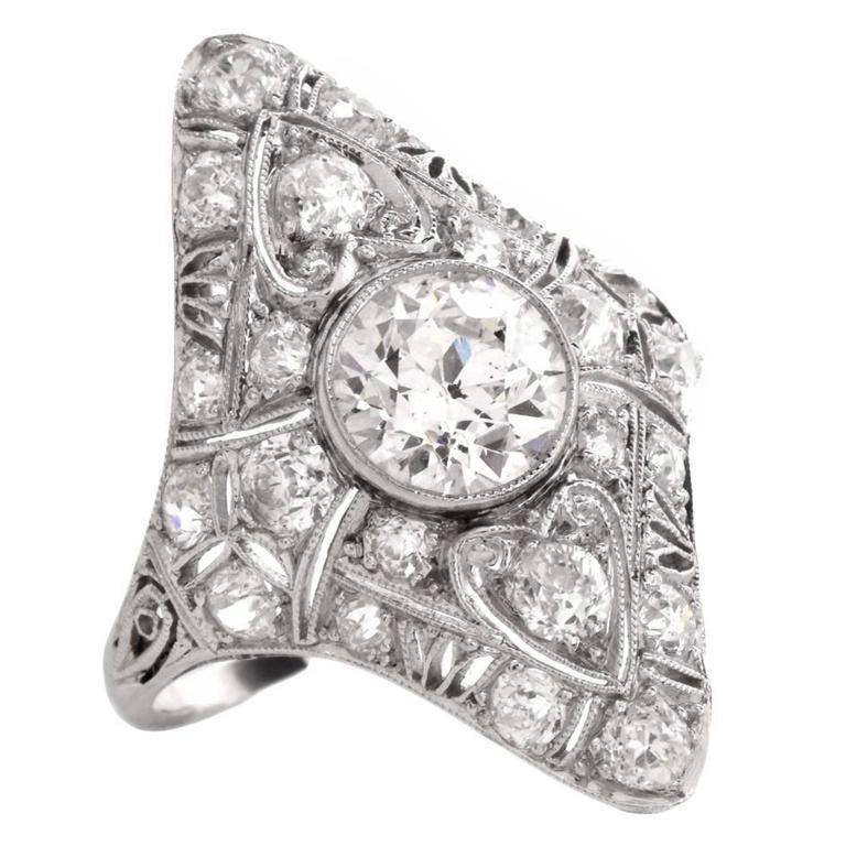 Antique Art Deco Diamond Filigree Platinum Ring In Excellent Condition For Sale In Miami, FL