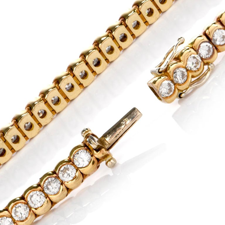 1990s Italian Tennis 4.85 Carat Diamond 18 Karat Yellow Gold Bracelet In Excellent Condition For Sale In Miami, FL