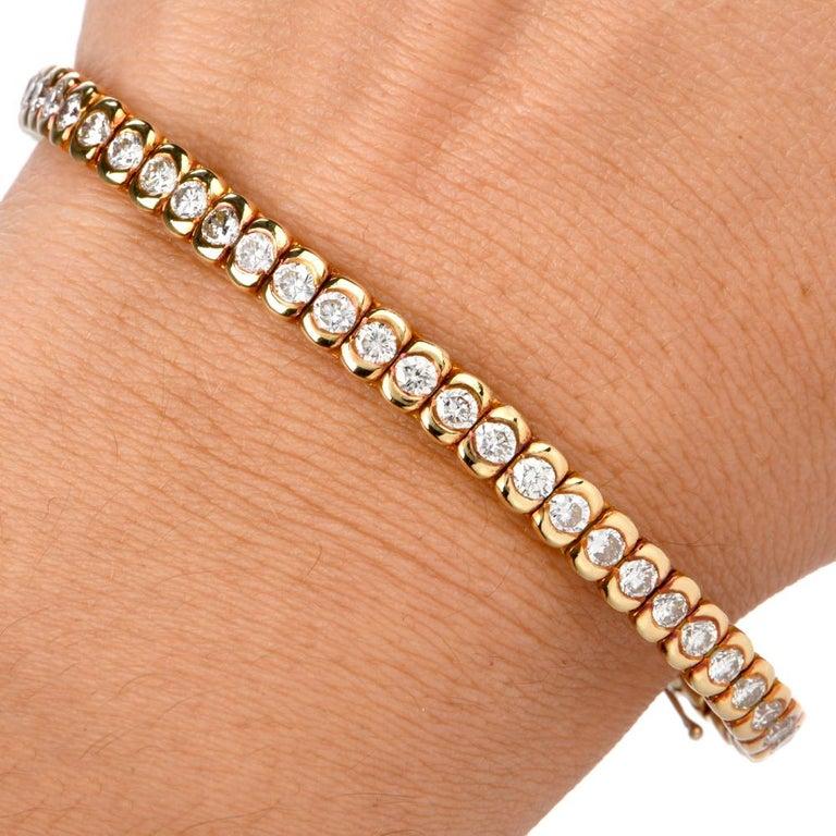 Women's 1990s Italian Tennis 4.85 Carat Diamond 18 Karat Yellow Gold Bracelet For Sale