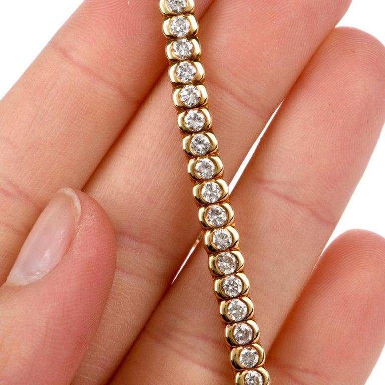 1990s Italian Tennis 4.85 Carat Diamond 18 Karat Yellow Gold Bracelet For Sale 1