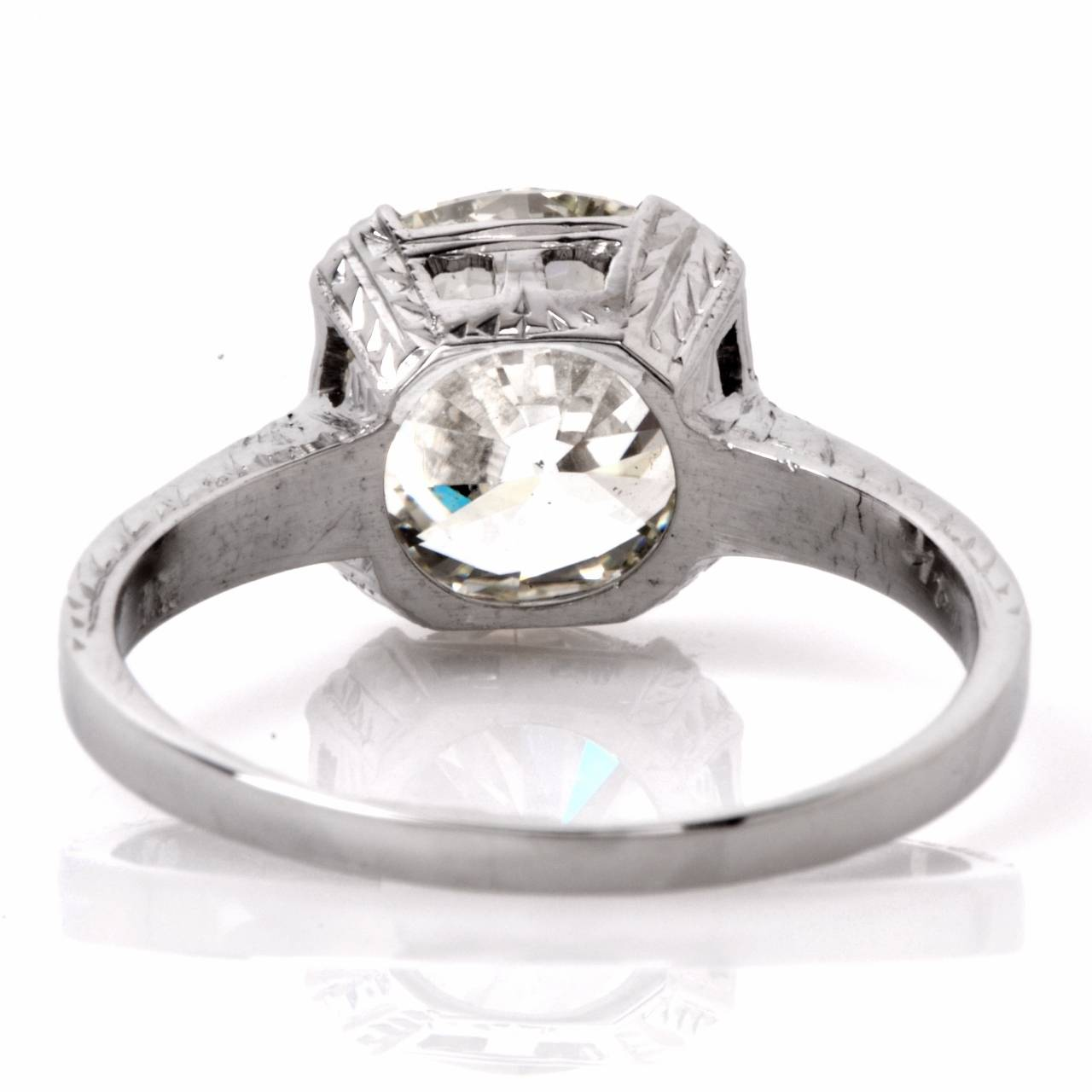 Women's EGL Certified 2.70 Carat Diamond Gold Solitaire Engagement Ring For Sale