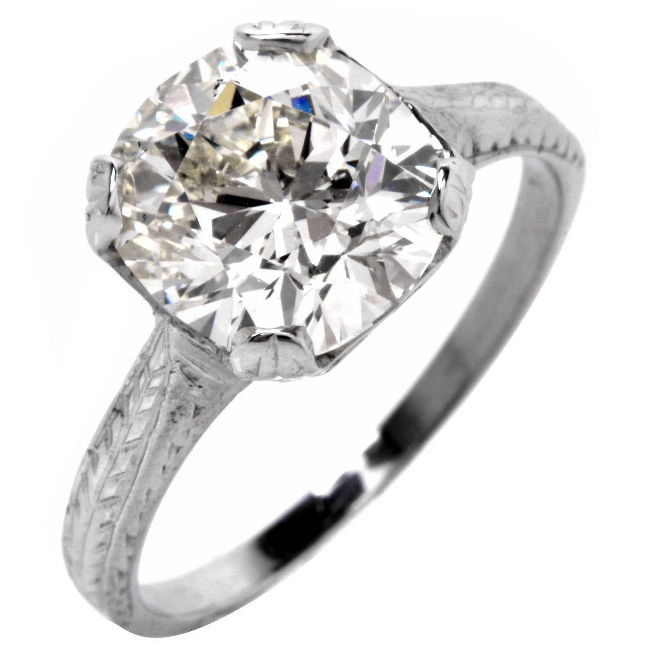EGL Certified 2.70 Carat Diamond Gold Solitaire Engagement Ring For Sale