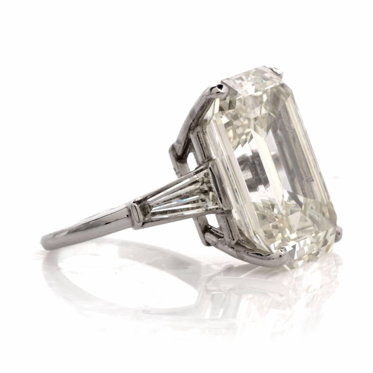 exceptional emerald cut platinum engagement ring