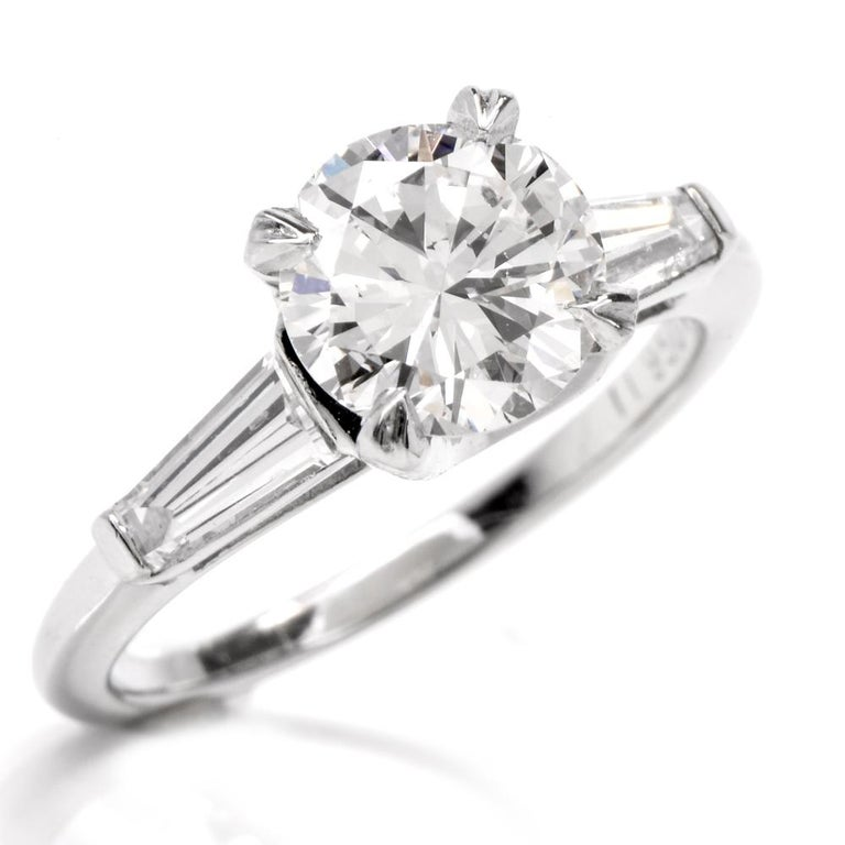 Certified 2.03 Carats Diamond Solitaire Platinum Engagement Ring For Sale 1