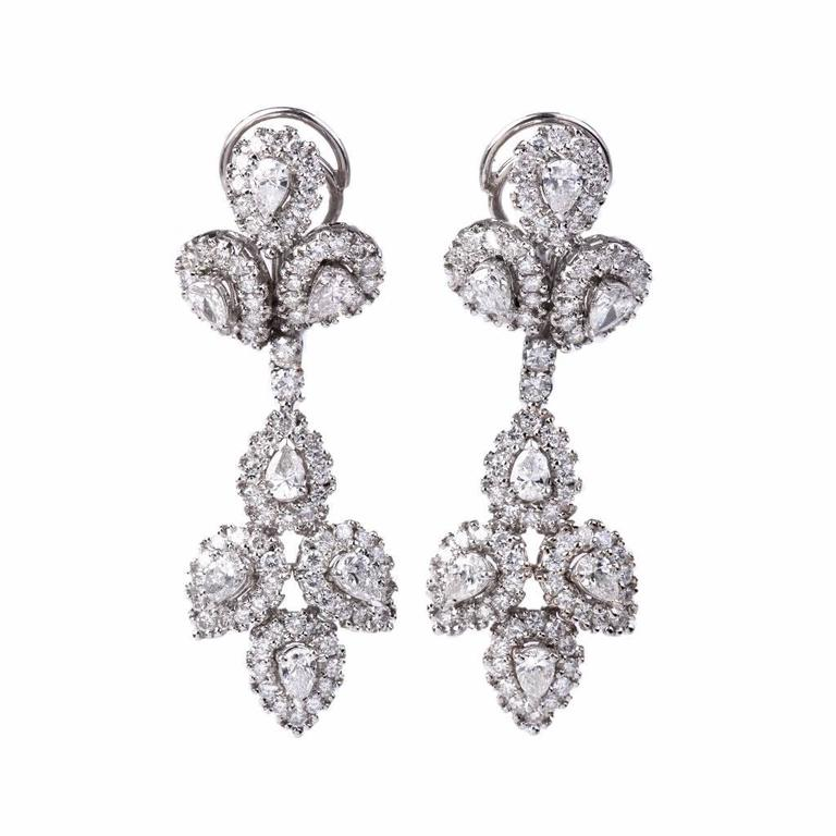 Girandole Era Glamorous Diamond Gold Chandelier Earrings 3