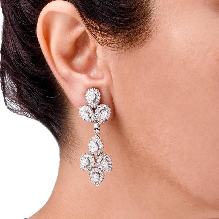 Girandole Era Glamorous Diamond Gold Chandelier Earrings 2