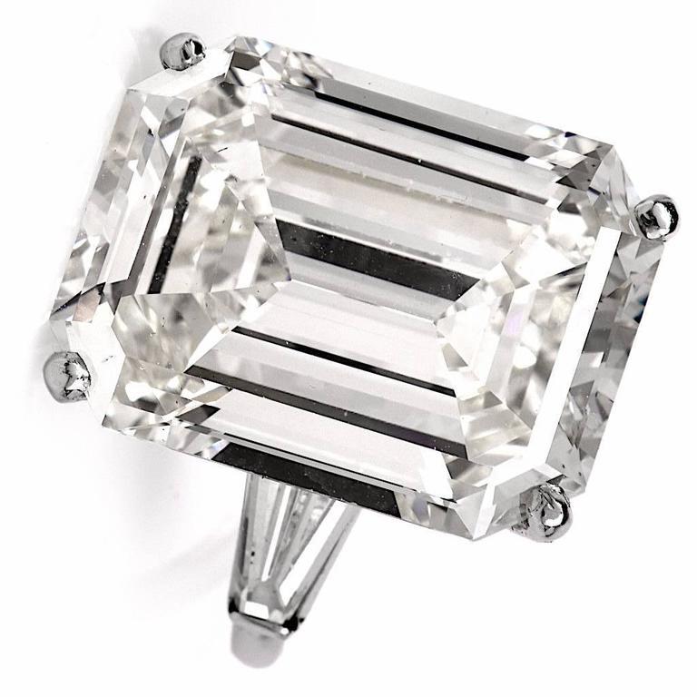 Exceptional Emerald Cut 18.61 Carat Diamond Platinum Engagement Ring 5