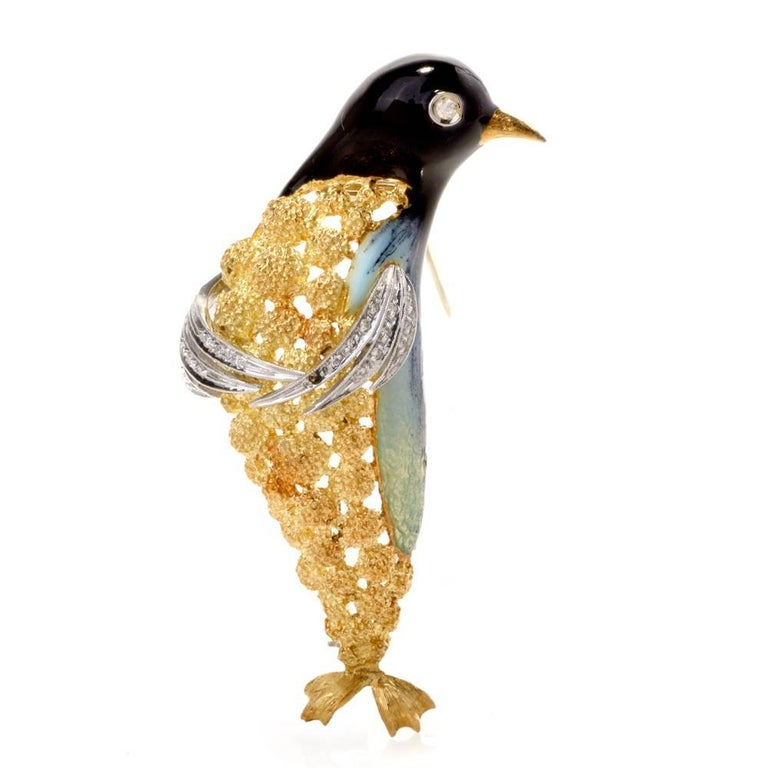 1970s Diamond and Enamel 18 Karat Gold Penguin Pin Brooch