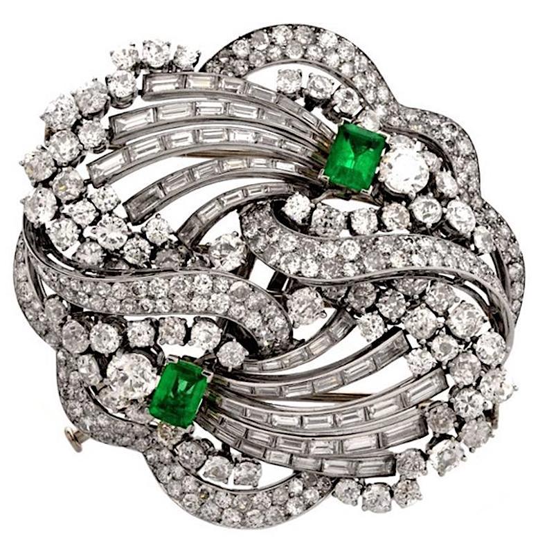 1960s Boucheron Paris Emerald Diamond Platinum Double Clip Brooch Pin