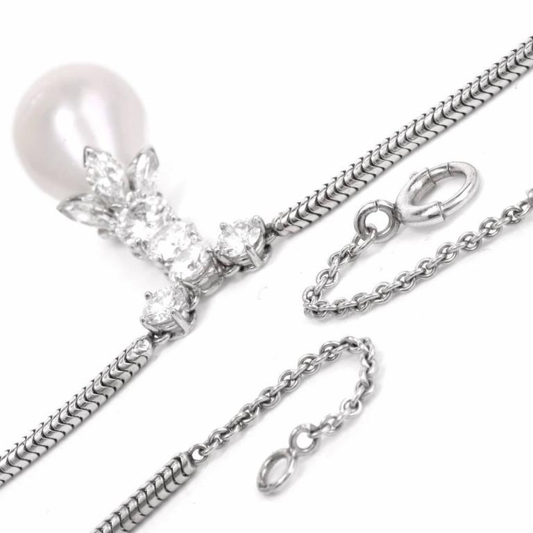 Baroque pearl Diamond gold Pendant Necklace For Sale 3