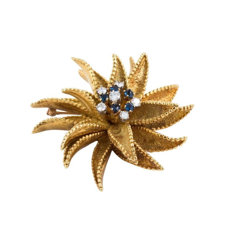 18kt Gold Flower Pin
