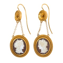 Victorian Etruscan Revival 18 Karat Yellow Gold Sardonyx Cameo Earrings