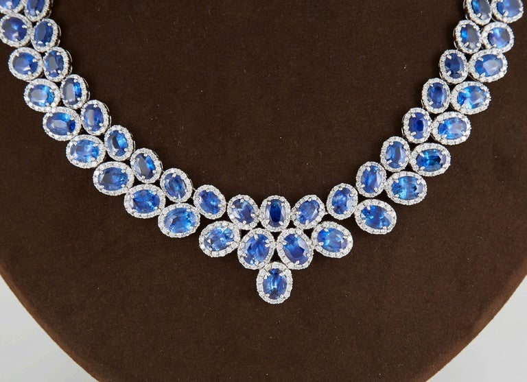 Fabulous 74 carat Sapphire Diamond gold Necklace In Excellent Condition For Sale In New York, NY