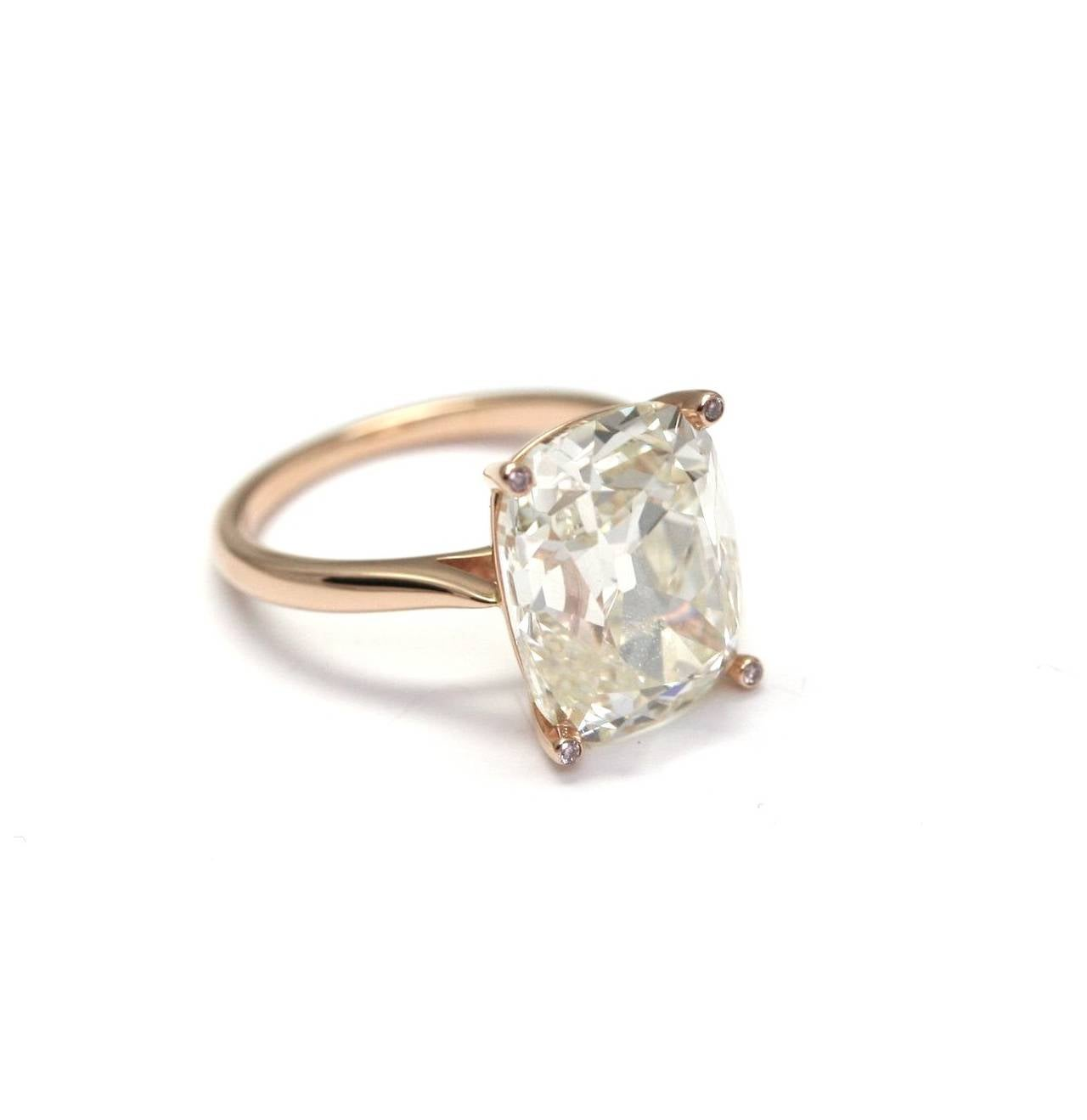 10 21 carat cushion cut gold solitaire engagement