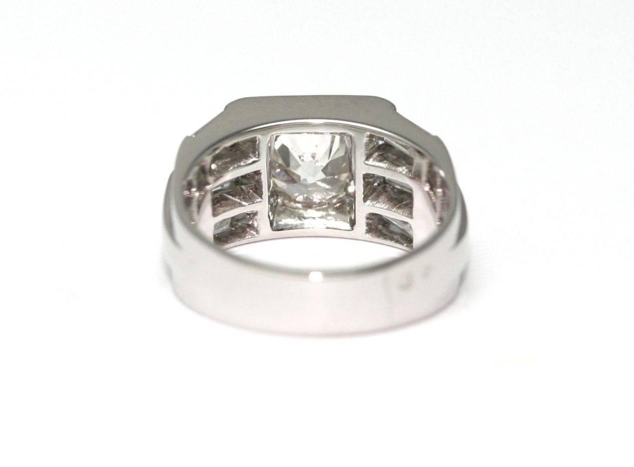 1930s 1 57 Carat Round Diamond Platinum Signet Band Ring