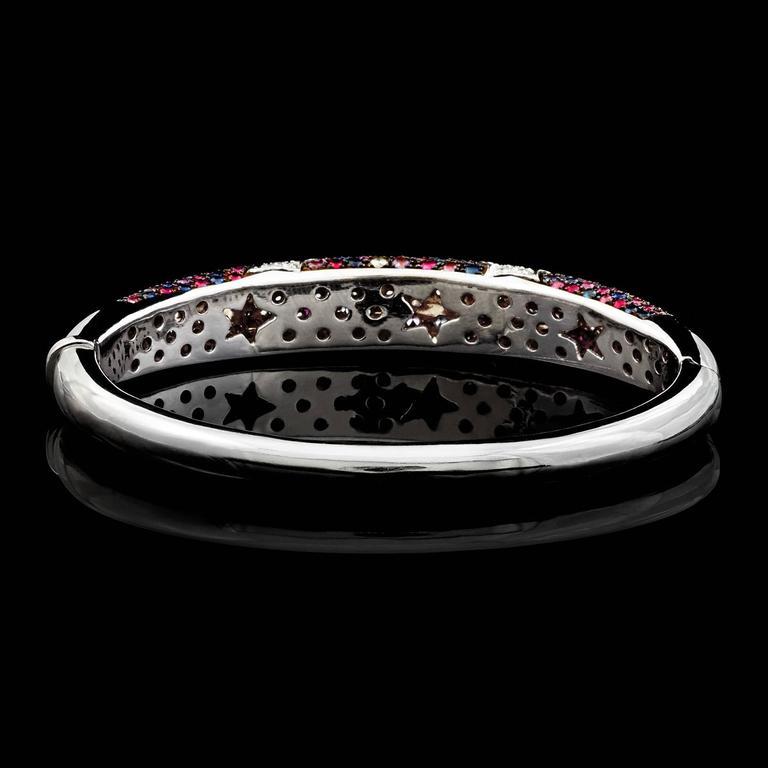 Italian Multi-Color Sapphire Star Motif Bangle Bracelet In Excellent Condition For Sale In San Francisco, CA