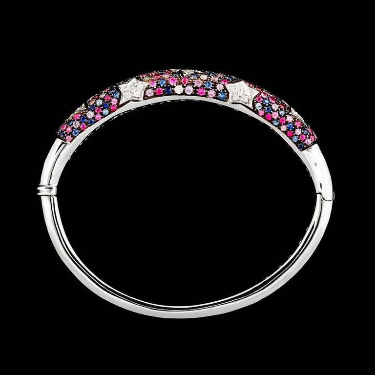 Contemporary Italian Multi-Color Sapphire Star Motif Bangle Bracelet For Sale