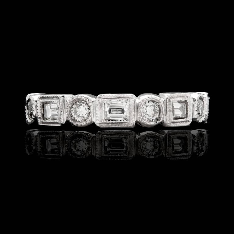 Alternating Baguette & Round Brilliant-Cut Diamond Platinum Eternity Band 2