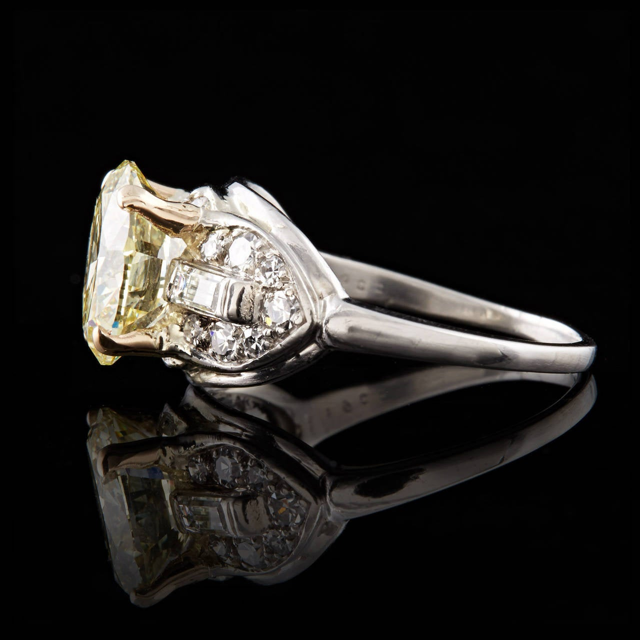 Art Deco Light Yellow Diamond Gold Ring 3