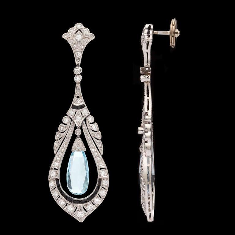 art deco aquamarine briolette dangle earrings at 1stdibs. Black Bedroom Furniture Sets. Home Design Ideas