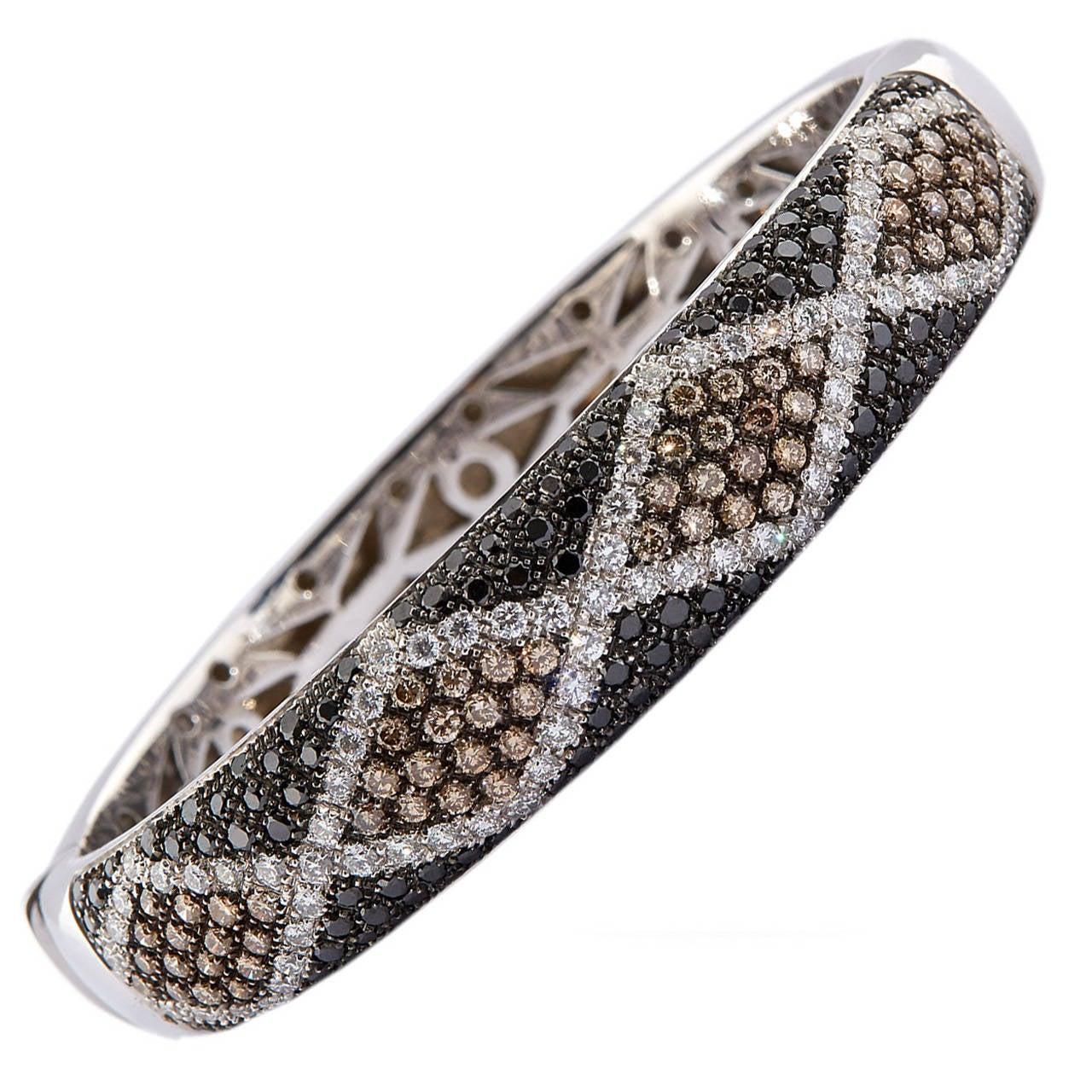 Salavetti Pave Diamond Gold Bangle Bracelet