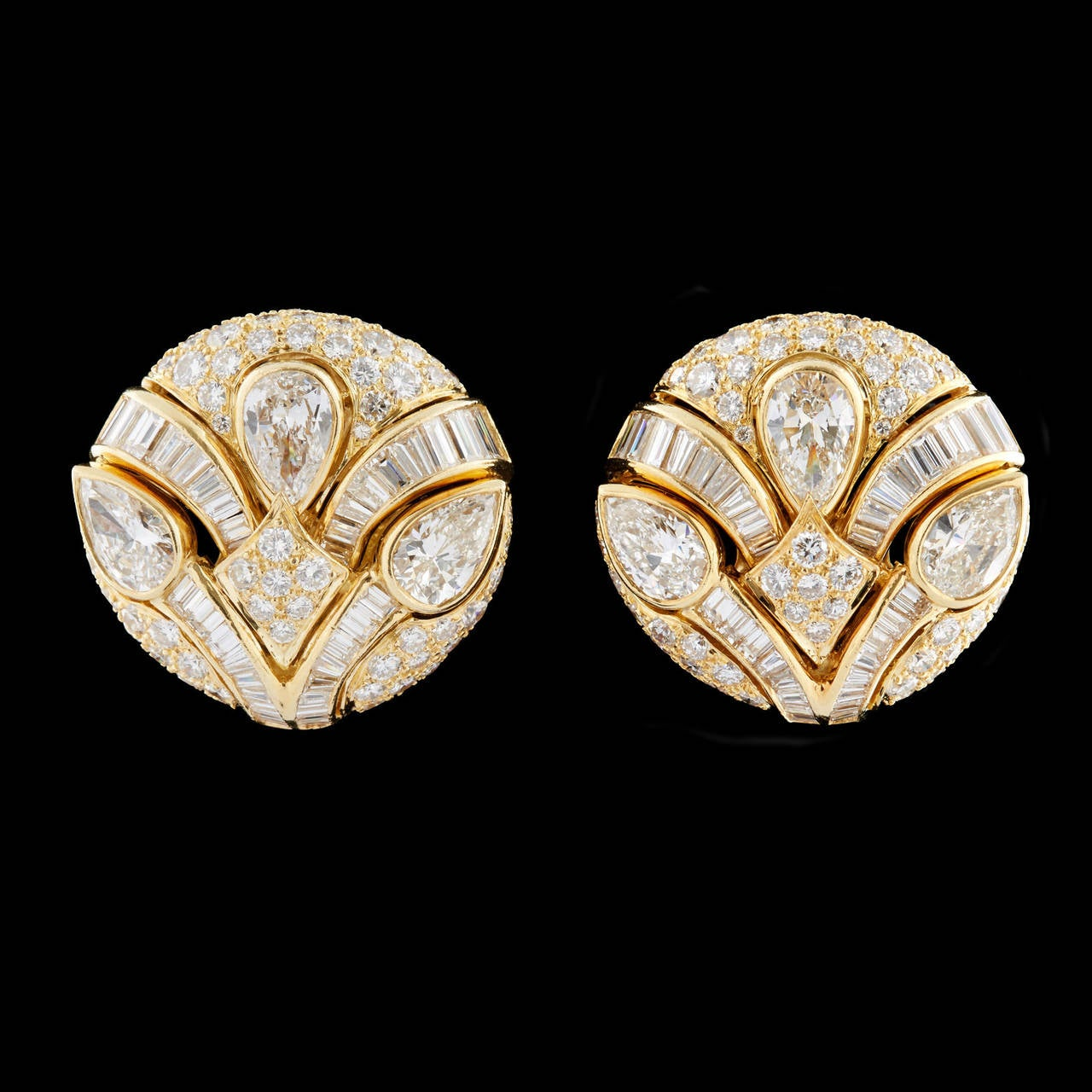 Impressive Bulgari Diamond Button Earrings 2