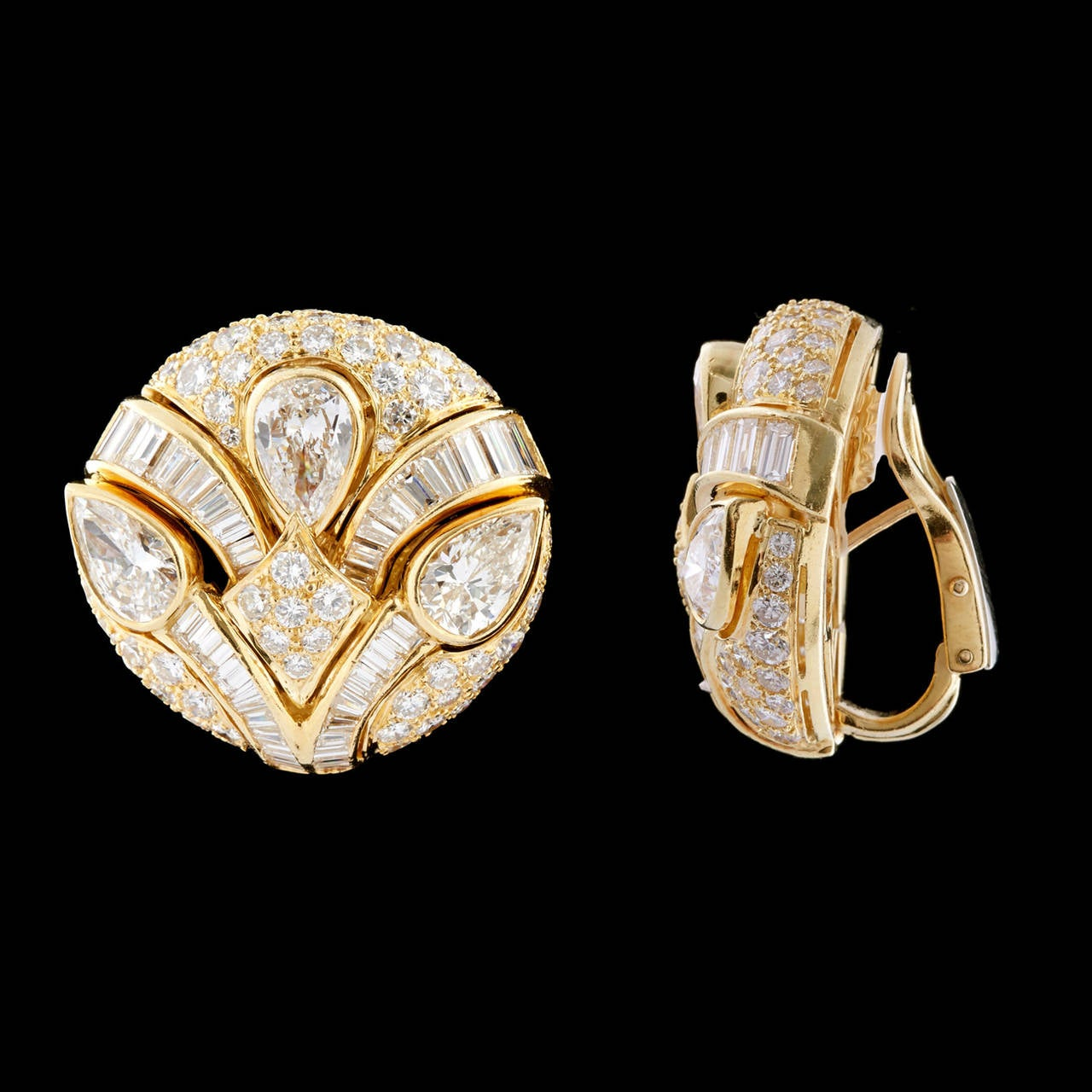Impressive Bulgari Diamond Button Earrings 3