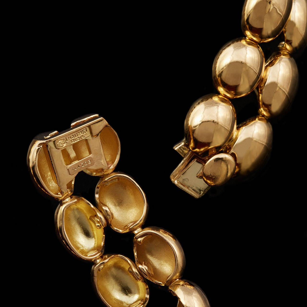 Chaumet Domed Oval Link Gold Necklace In Excellent Condition For Sale In San Francisco, CA