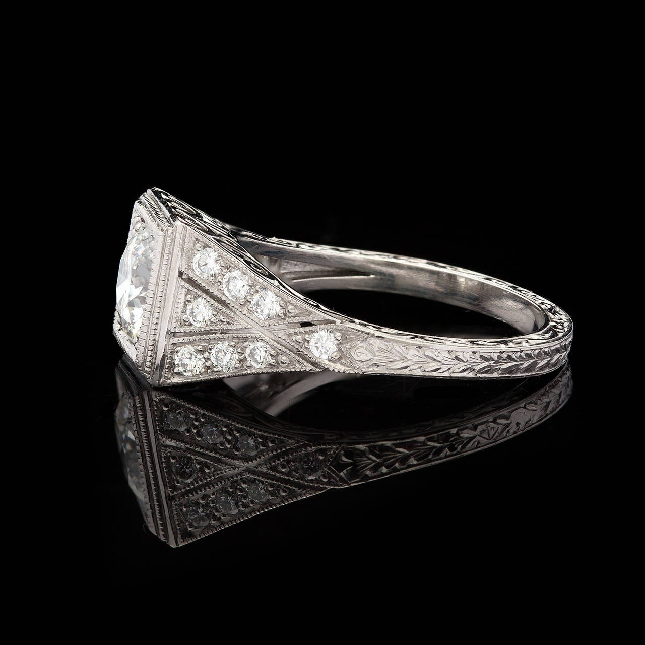 1.05 Carat GIA Certified Diamond Platinum Ring In Excellent Condition For Sale In San Francisco, CA