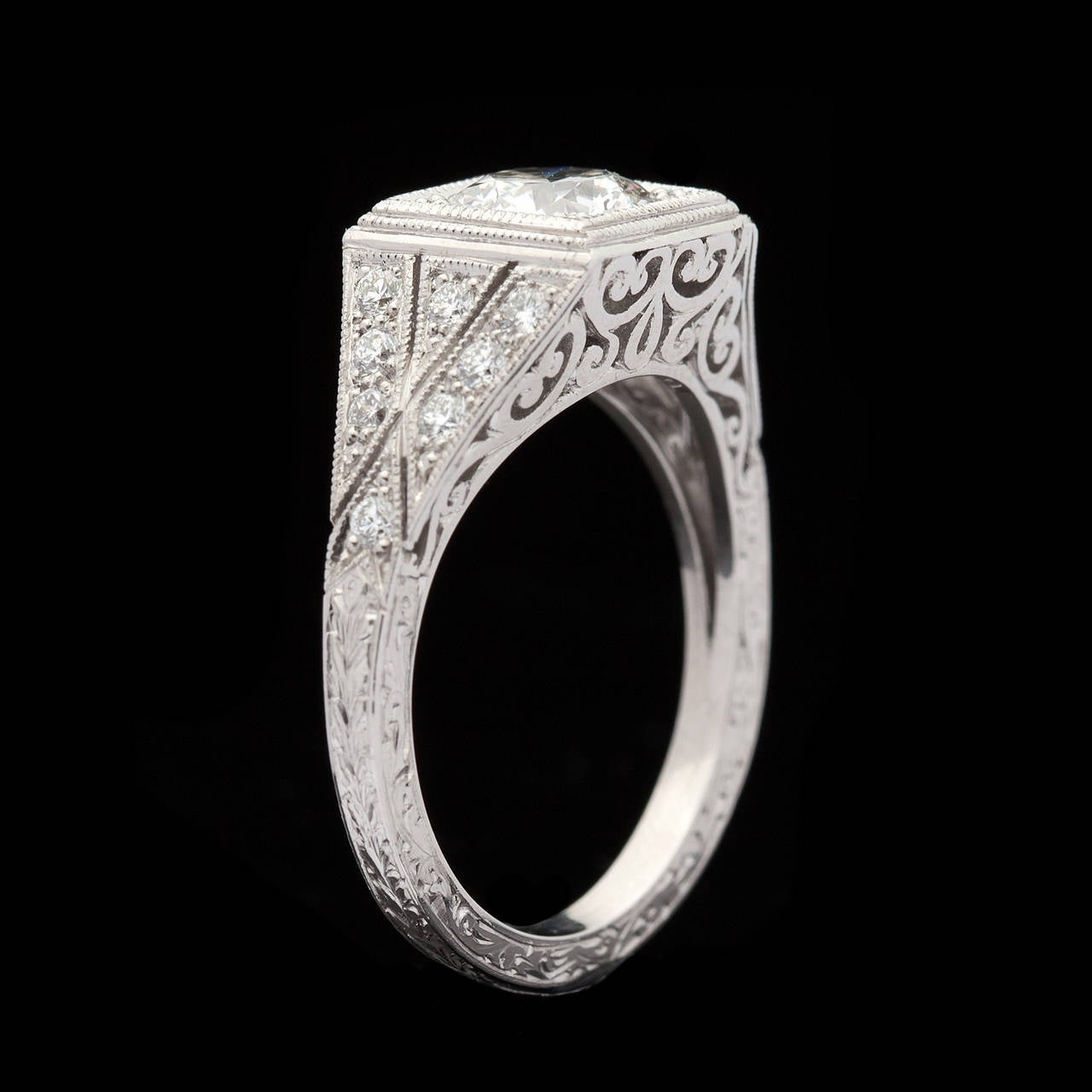 Women's 1.05 Carat GIA Certified Diamond Platinum Ring For Sale