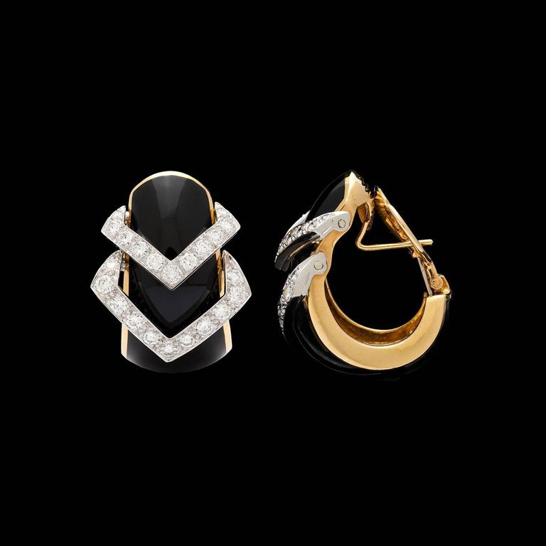 David Webb Black Enamel Diamond Yellow Gold Hoop Earrings In Excellent Condition For Sale In San Francisco, CA