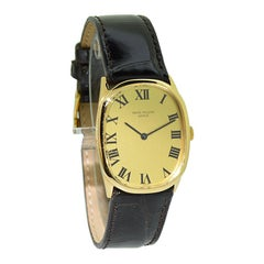 Patek Philippe 18 Karat Yellow Gold Art Deco Oval Shaped Wrist Watch from 1974