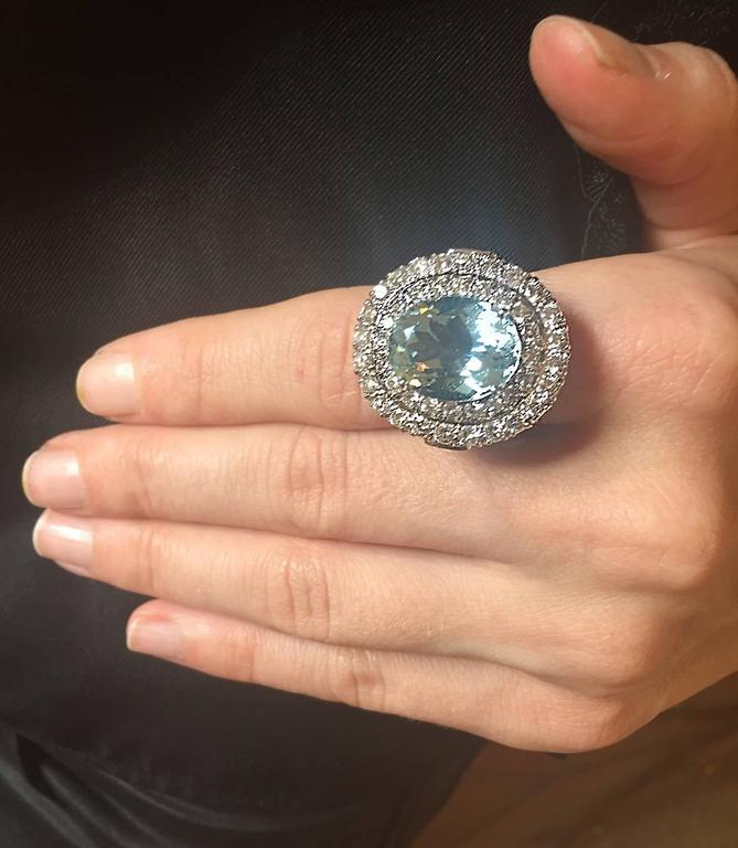 Aquamarine and Diamond Ring in White Gold For Sale 2