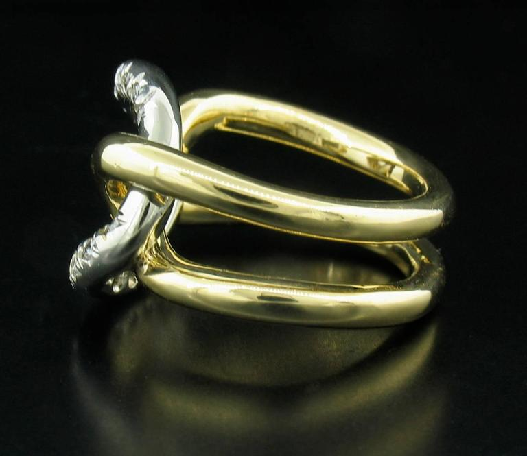 Italian Diamond and 18 Karat Gold Ring In As New Condition For Sale In Carmel, CA