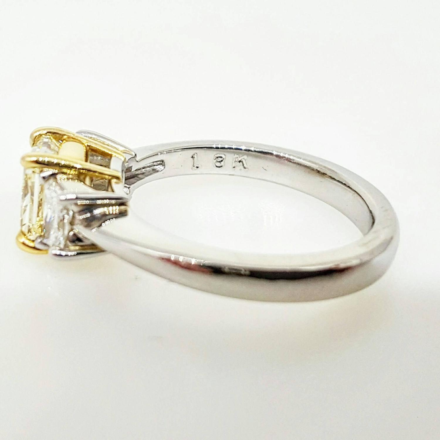 Fancy Light Yellow Diamond Platinum Ring For Sale at 1stdibs