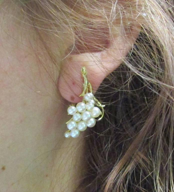 Pearl Gold Clip-On Earrings In Excellent Condition For Sale In Lexington, KY