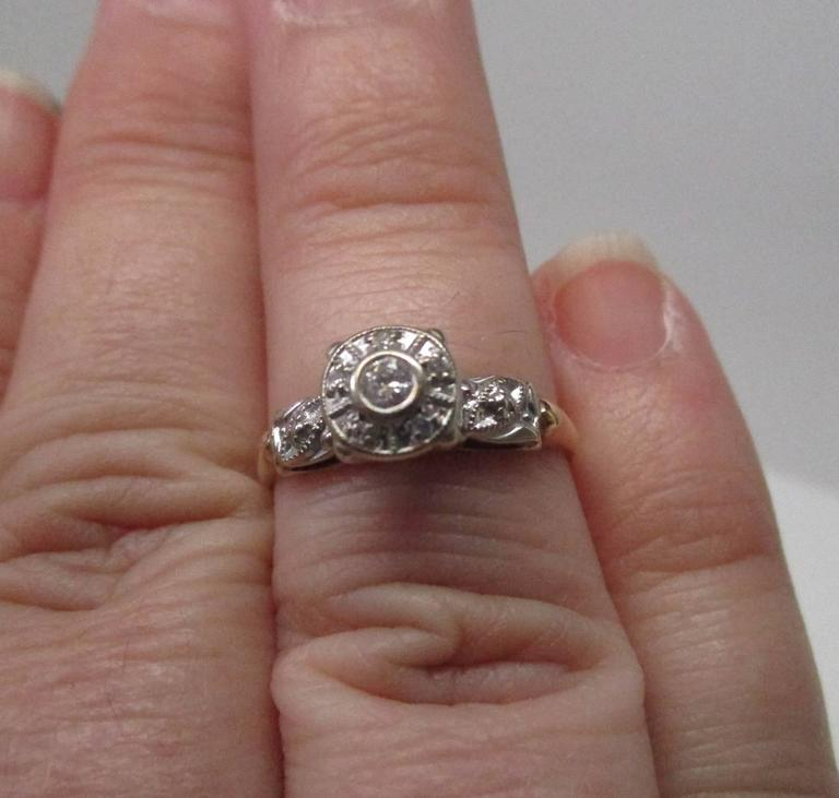 Women's or Men's Diamond Gold Engagement Ring For Sale