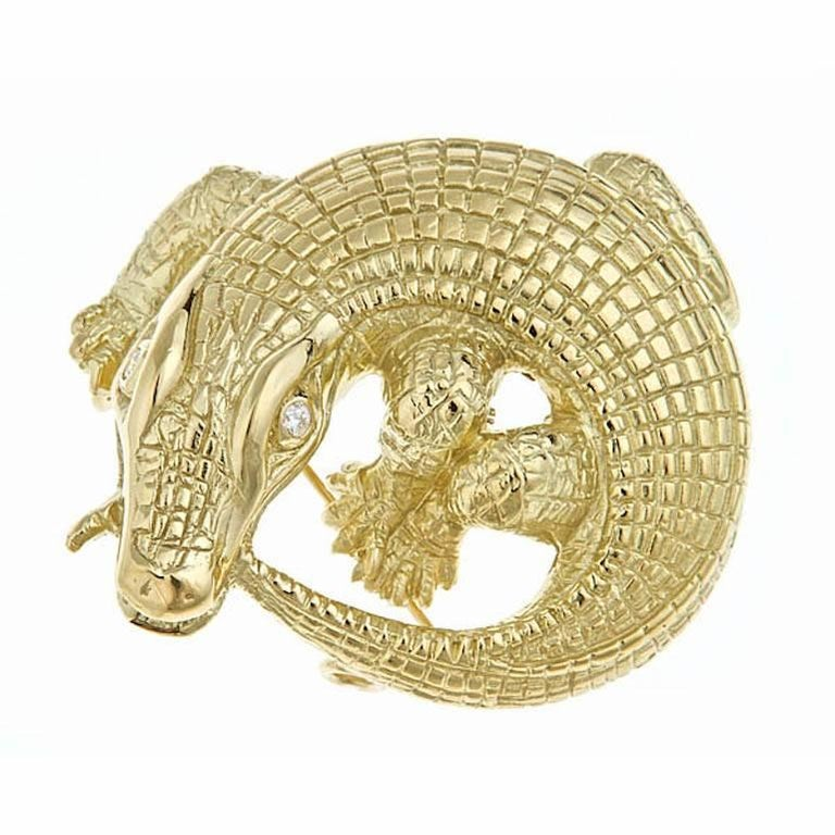 Diamonds 18 Karat Yellow Gold Curled Alligator Brooch by John Landrum Bryant