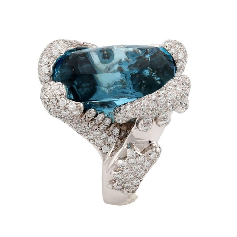 34.10 Carat Aquamarine Ring by John Landrum Bryant In New Condition For Sale In New York, NY