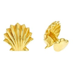 18 Karat Yellow Gold Scallop Shell Cufflinks by John Landrum Bryant