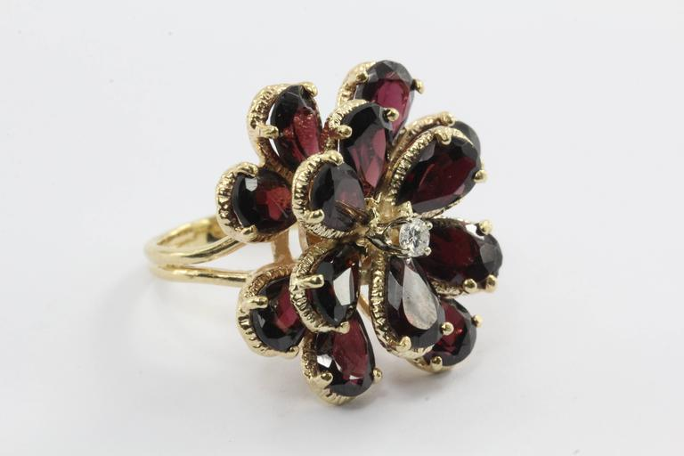 Retro Chunky 14K Gold Floral Flower Garnet and Diamond Ring In Excellent Condition For Sale In Cape May, NJ