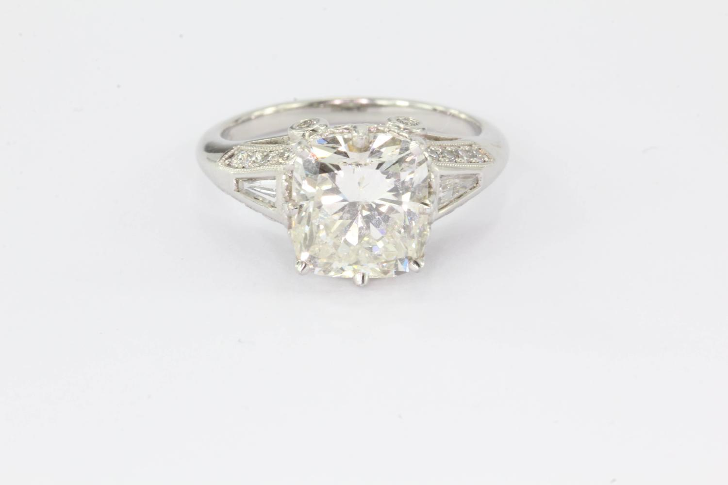 4 Carat Diamond Cushion Cut Platinum Engagement Ring For Sale at 1stdibs